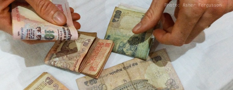 handling-money-in-India