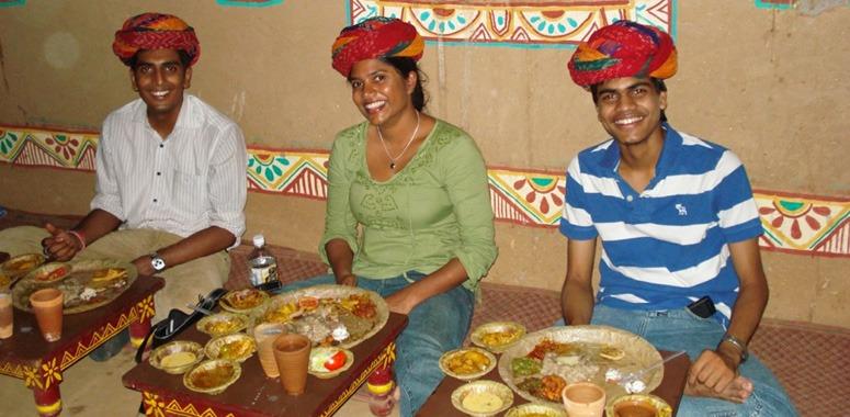 rohini-grace-eating-indian-food