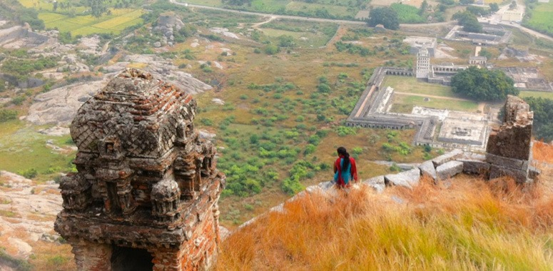 single-girl-at-fortress-in-india